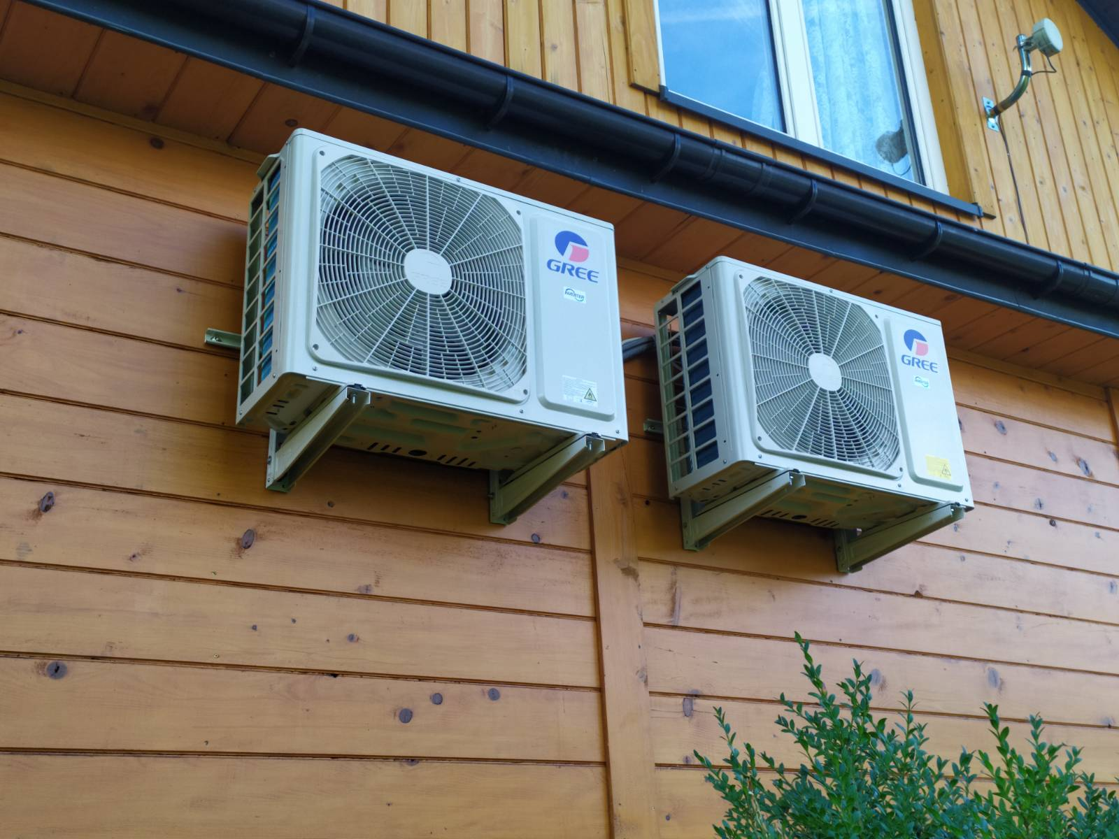 Jak zamontować klimatyzator w drewnianym domie?